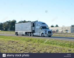 semi trailer truck big rig american semi trailer articulated tanker truck speeds