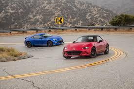 subaru sports car brz 2015 2016 mazda mx 5 miata vs 2015 subaru brz comparison motor trend