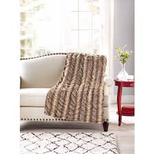Home Design Fur by Chic Home Juneau Faux Fur Ultra Plush Decorative Throw Blanket