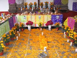 dia de los muertos decorations dia de los muertos midwesterner in mexico