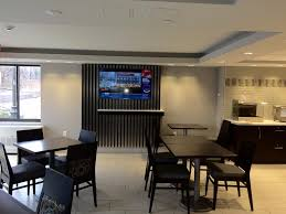 Stephanie Inn Dining Room Holiday Inn Express Boston Waltham Ma Booking Com