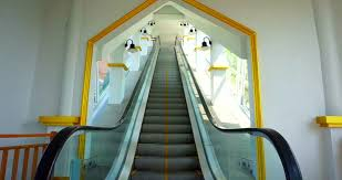 moving escalator up mecanic electic stair and escalators in a