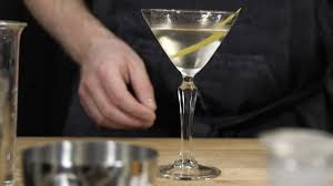 dry martini matgeeks drinktips dry martini youtube