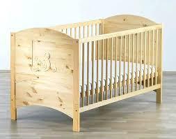 chambre bebe bois massif lit bebe bois brut lit bacbac en pin massif avec oursons schardt