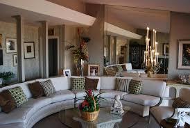 décoration canapé intérieurs avec un canapé arrondi un meuble pratique et déco