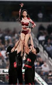 november 28 selena performing during the halftime show at the