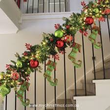 73 Best Deco Garland Images by Best 25 Christmas Stairs Decorations Ideas On Pinterest