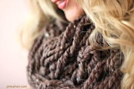 arm knitting diy infinity scarf tutorial pinkwhen