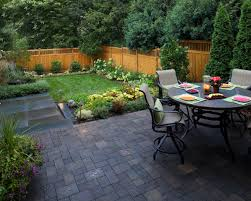 simple and easy backyard landscaping modern house design for small