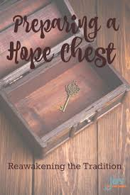 Build A Toy Box Diy by Best 25 Hope Chest Ideas On Pinterest Toy Chest Rogue Build