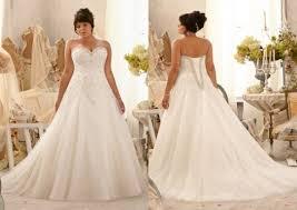 robe de mariã e ronde robes de mariée femmes fortes idée mariage