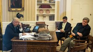 Oval Office Desk Trump Loves His New Desk In The Oval Office But It Also Has Its