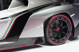 Lamborghini Veneno Details - file geneva motorshow 2013 lamborghini veneno rear wheel 1 jpg