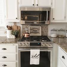 Kitchen Countertops Ideas by Best 25 Kitchen Countertop Organization Ideas On Pinterest
