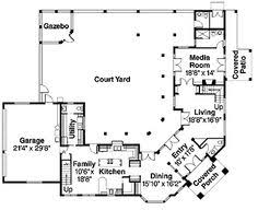 center courtyard house plans mexican style courtyard house plans hacienda with a center 16