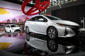 toyota new model car toyota prius engineer wants to sell 1 million of new plug in hybrid