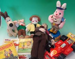 Wallace And Gromit Hutch Collection Of Soft Toys To Include 3 Born To Play Wallace And