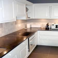 photo cuisine blanche carrelage de cuisine blanche avec carrelage metro blanc brico depot