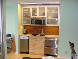 small studio kitchen ideas 1000 images about kitchens on kitchenettes small