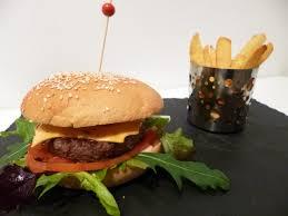cuisiner un hamburger hamburgers sauce cocktail la recette facile par toqués 2 cuisine