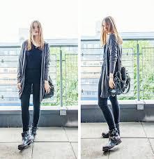 cool biker boots victoria charlotte pettersen gina tricot dark grey button