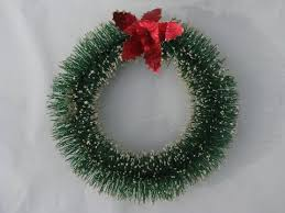 red holly bottle brush christmas wreath ornament decoration 50s japan