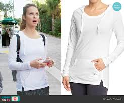phoebe u0027s white hoodie on girlfriends guide to divorce