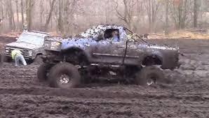 ford mudding trucks big blue ford makes mudding look easy ford trucks com