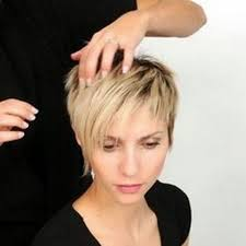 Flotte Kurze Haare by 57 Besten Pixie Cut Bilder Auf Kurze Haare Friseur
