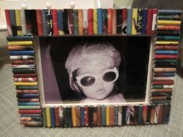 recycled magazine frame diy inspired