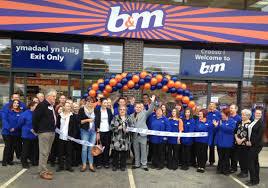 B M Garden Furniture B U0026m Lifestyle Shoppers In Welshpool Witness New B U0026m Store Opening