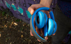 beats solo 2 wireless black friday beats solo2 wireless headphones review reviewed com headphones