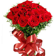 Red Rose Bouquet Fee Delivery Of 24 Red Roses Hand Bouquet On Valentines Day To Pune