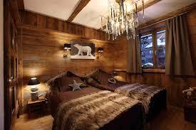 chambre en bois deco interieur style chalet idees pour atmospha re chaleureuse