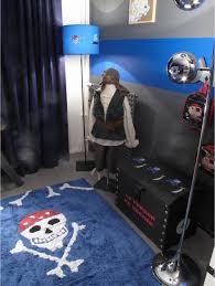 deco chambre pirate lili pouce présente sa déco pirate dans d co décoration chambre
