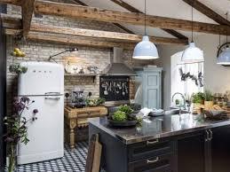 cuisine uip rustique une cuisine 100 moderne avec un look rustique chic