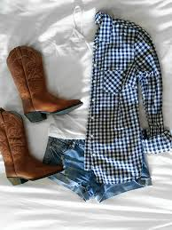 hottest boots with shorts trend accessories country and