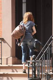 julianne moore leaves her west village town house celebzz celebzz
