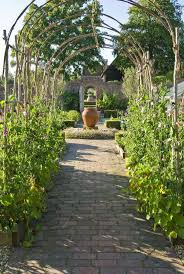 sweet pea arch projectstobetried pinterest arch gardens and