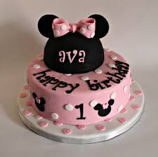 minnie mouse cakes s minnie mouse cake lil miss cakes