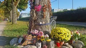 Blumen Baden Baden Mordprozess Hussein K Pflegevater Weist Vorwürfe Zurück
