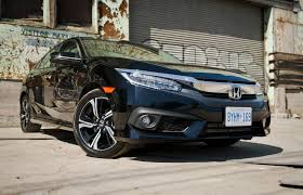 honda civic or hyundai elantra car comparison 2016 honda civic vs 2017 hyundai elantra driving