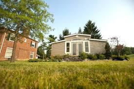 backyard u0027granny pod u0027 is tiny house alternative to nursing home