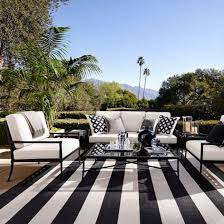 How To Make An Outdoor Rug The Stripe Indoor Outdoor Rug Make This Space The Posh Est Of