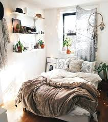 ideas to decorate a small bedroom best small bedrooms ideas on