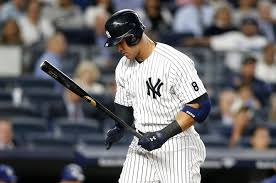 Aaron Judge Breaks Joe Dimaggio S Yankees Rookie Home Run Record - aaron judge breaks new york yankees rookie home run record