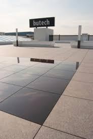 piastrelle fotovoltaiche butech quando il fotovoltaico 礙 integrato nel pavimento greenbiz it