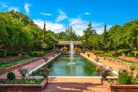 Clark Botanical Gardens The Channel Garden At Clark Gardens