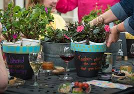 3 container garden ideas to give as gifts
