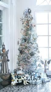 Blue White And Silver Christmas Tree - 21 silver christmas tree décor ideas digsdigs